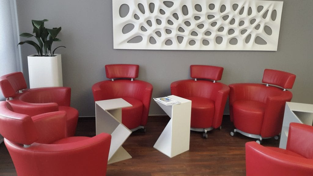 how to design a waiting room